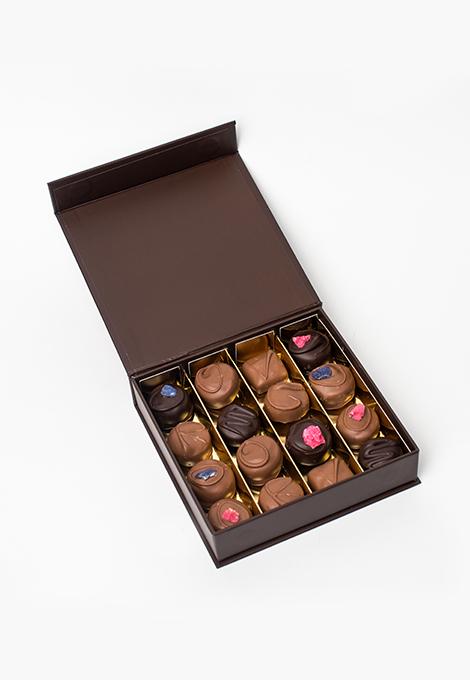Box of 16 chocolates