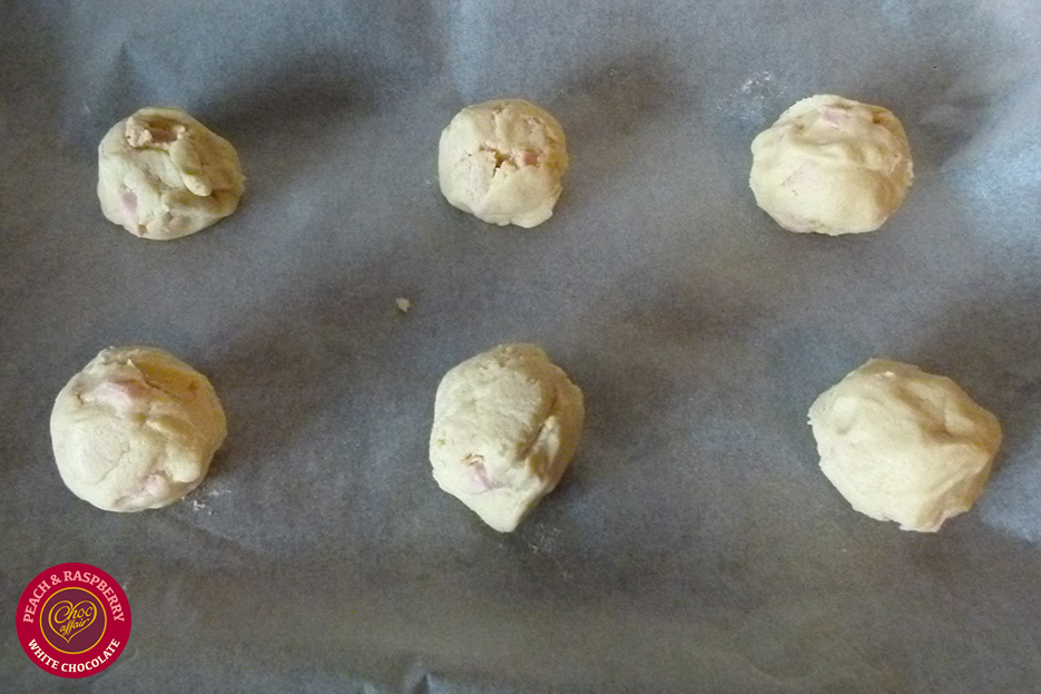 chocaffair_peachandraspberry_cookies_recipe_step4