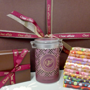 not-on-the-high-street-hot-chocolate-bars-and-truffle-hamper-hot-chocolate-12-100g-bars-truffles-5-2